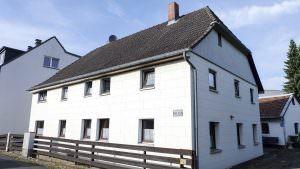 Braunschweig-Ölper, Einfamilienhaus mit Nebengebäuden